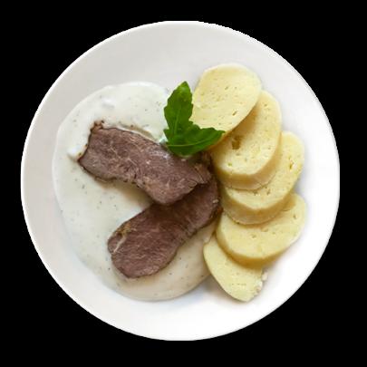 Hovädzí roštenec, kôprová omáčka a domáci zemiakový knedlík