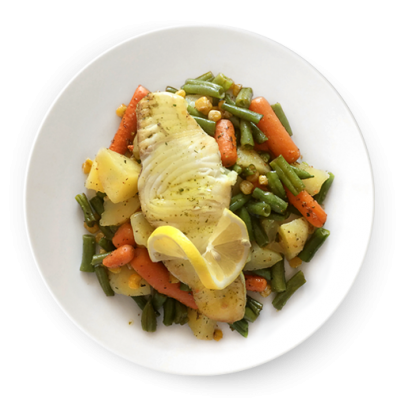 Žralok s restovanou zeleninou, varené zemiaky s rozmarínom